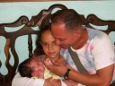NESTOR RODRIGUEZL0BAINA  y sus hijas