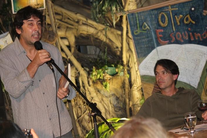 Joaquin Galvez presenta al invitadoFoto: LuisFelipeRojas