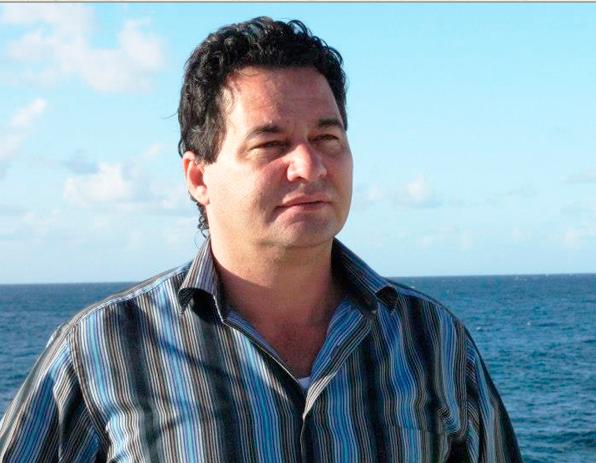 El escritor Angel Santiesteban Prats.