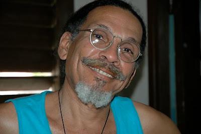http://secretoscuba.cultureforum.net/t9014-entrevista-a-hubert-matos-a-sus-90-anos