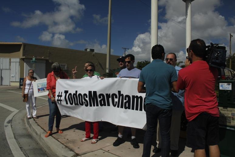 #TodosMarchamos. Activistas en Miami. Foto: LuisFelipeRojas.