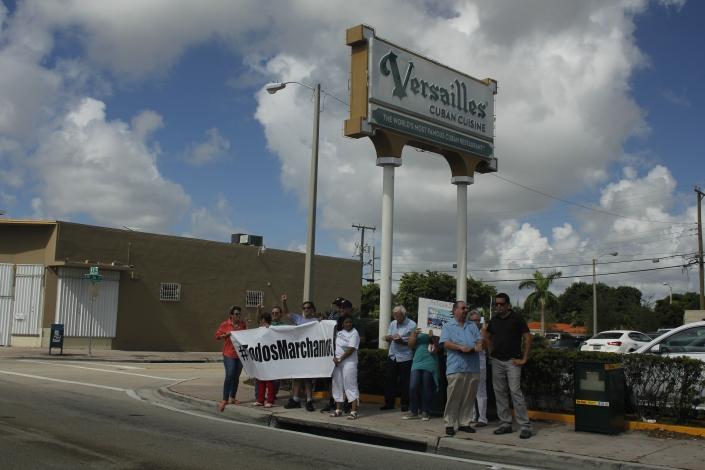 #TodosMarchamos. Activistas en Miami. Foto: LuisFelipeRojas