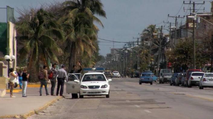 El fotágrafo cubano Claudio Fuentes, arrestado por la policía política en La Habana. Cortesía de Ailer González, Estado de Sats.