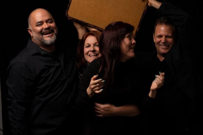 """Los actores de 'Pasajeros"""": de izq. a der. Christian Ocón, Lily Rentería, Lida Morales y Mauricio Rentería. (CORTESIA Miami Factory Theater."""