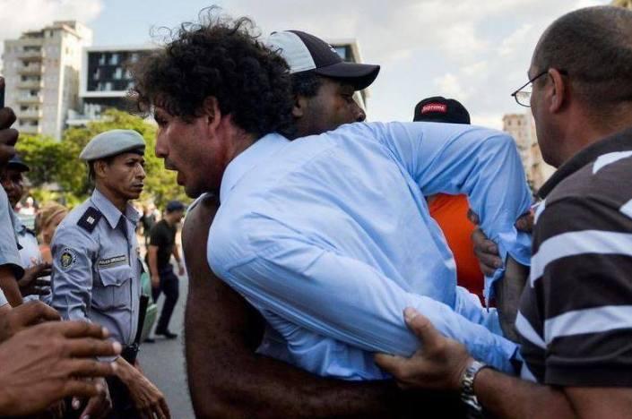 Boris González Arenas, detenido con violencia en La Habana.